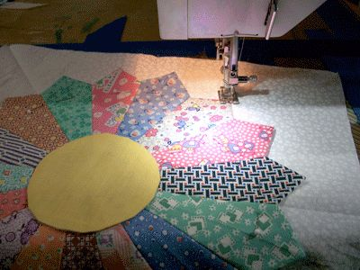 Try this Pattern to Make Easy Dresden Plate Quilt Blocks: Finish Sewing the Dresden Plate Quilt Blocks