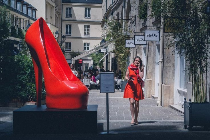 Похоже это лучшая моя стрит фотография из Парижа :) . . . . .  #urbex #streetshared #aov #weekly_feature #createexploretakeover #shotzdelight #mkexplore #gearednomad #rsa_streetview #menswear #ootdmen #lookoftheday #snobshots #streetwear #urbanfashion #fashiondiaries #menwithstreetstyle #menstyle #fashionkiller #fashiongram #igersparis #loves_france_ #topparisphoto #loves_paris #parismaville #unlimitedparis #nikonphotography #nikontop #nikon_photography_ #nikon_photography