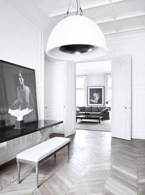 Minimalist interior with excellent symbiosis of retro with for Herrenzimmer modern einrichten
