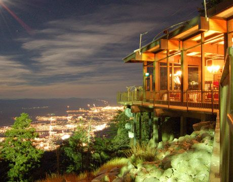 Visitors to the top of Palm Springs Aerial Tramway can treat themselves at Peaks Restaurant, which offers stunning views of the California desert and glittering city below. The contemporary cuisine is sourced largely from the surrounding Coachella Valley.