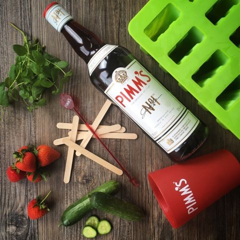 Pimm's Popsicles! Pimm's O'Clock Ice Lollies with Strawberries, Cucumber and Mint.