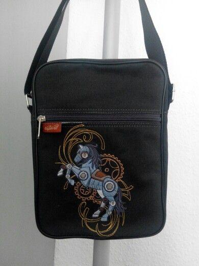 Robotlovas táska