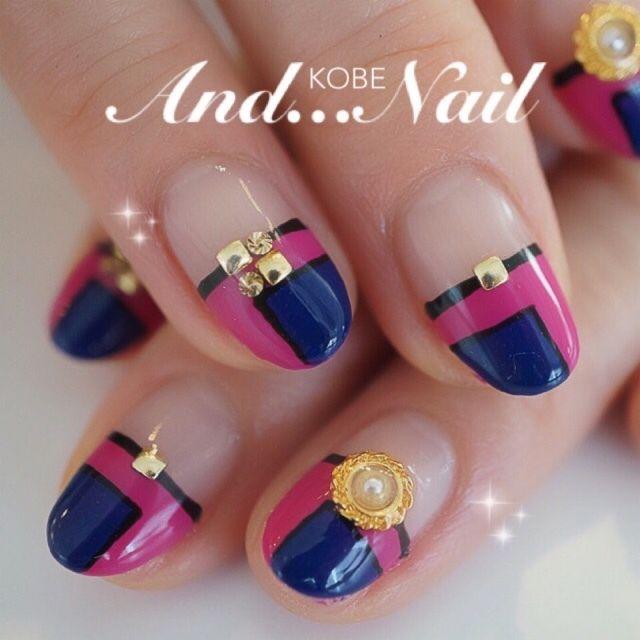 ピンク×ブルー #変形フレンチ #ピンク #ジェルネイル #お客様 #ハンド #白川麻里★神戸アンドネイル #ネイルブック