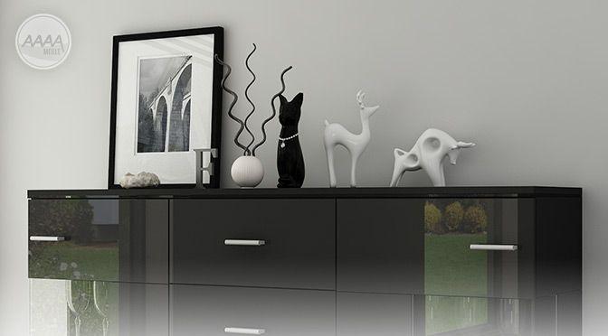 Czarna komoda z ozdobami #nowoczesnemeble #mebledosalonu #meble #minimalistycznemeble #mebleniemieckie #dom #aranzacjedom #aranzacje