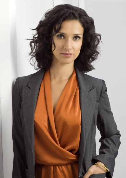 Indira Varma - Inspector Cate Pritchard. Episode: The Yanks in the U.K., season 4