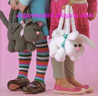 Oh my frikkin' Bono...how awesome are these!!!! Worth the trouble to translate the page...  http://orgumodeli.blogcu.com/cocuk-cantalari-crochet-animal-purse-patterns/2810735