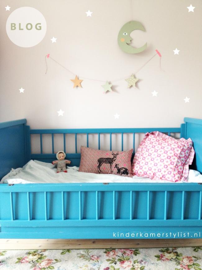 New blog   DIY #stars Für einen zauberhaften Sternenhimmel über dem Kinderbett... Hier gibt es eine tolle Do-It-Yourself Idee!