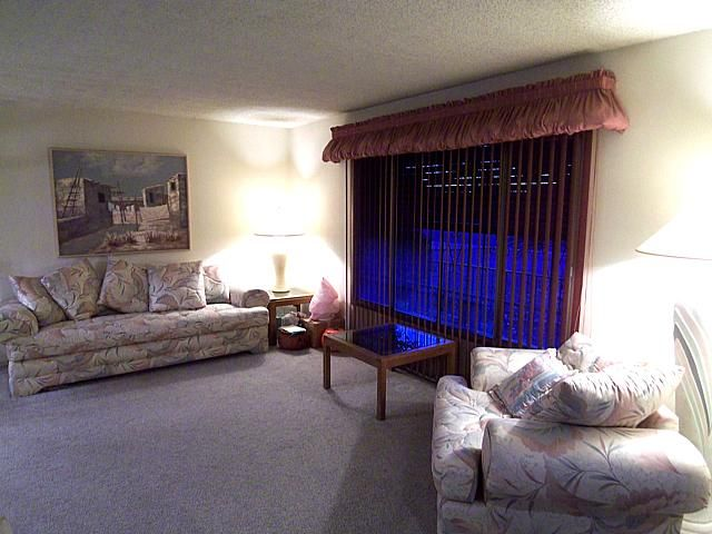 This Website Is Handy For Retro 80 39 S Decorating Pictures Look At The Pouf Valance And The Over