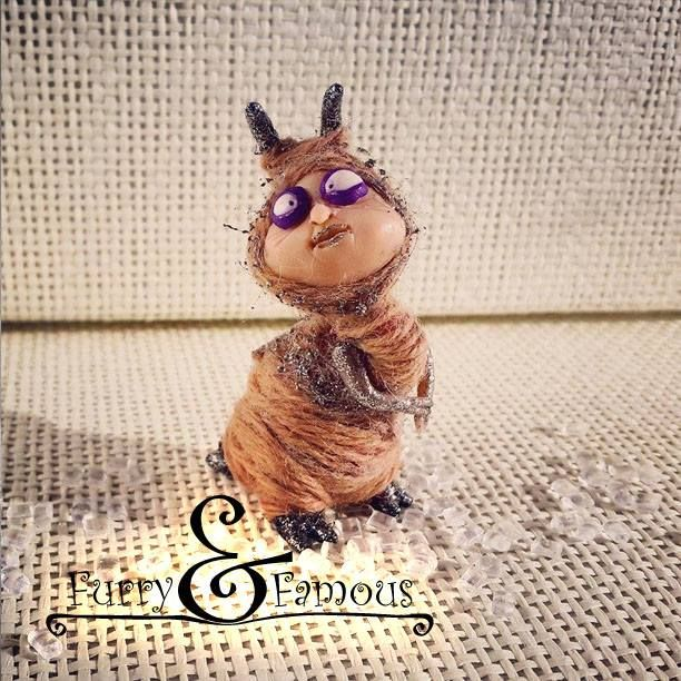 #furry_and_famous #fur #polymerclay #arts #snail #drunk #coffee #wool #thread #sculpture #miniature #beige #bigeyes #cute