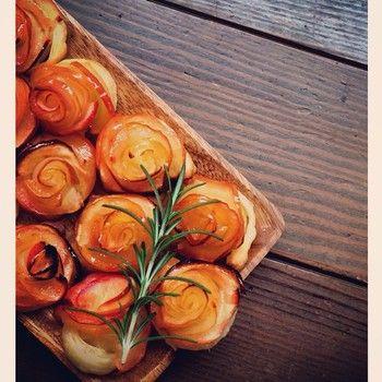 手作りだから美味しさ倍増。 午後のティータイムにこんな素敵なアップルパイはいかがですか?