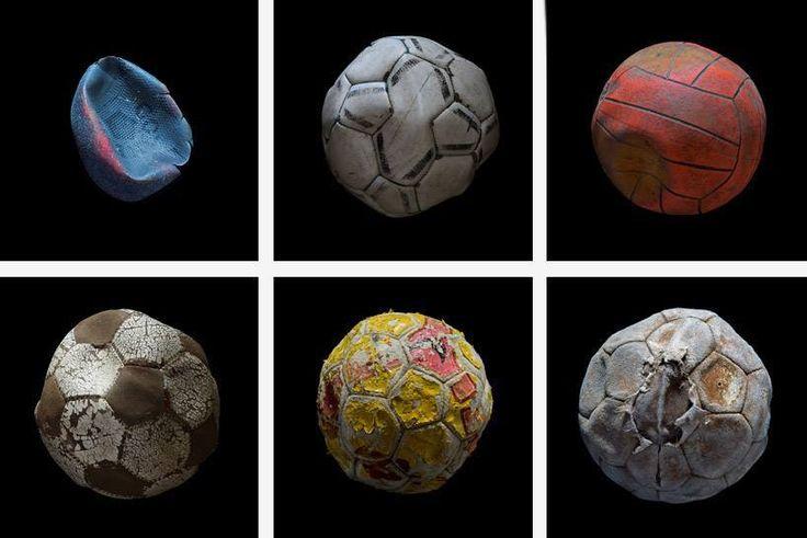 """Sergi için Avrupa ve Amerika'dan 228 """"yıkanmış"""" futbol topu toplandı.  #42maslak #sea #pollution #art #exhibition #mandybarker"""