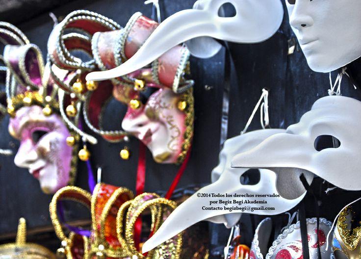 Mascaras para ocultar tanta hipocresia
