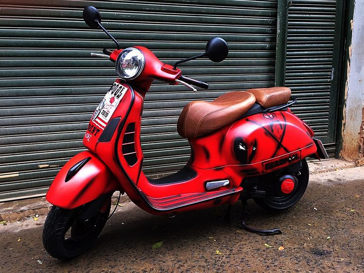 Deadpool | Vespa painted by PAZ.