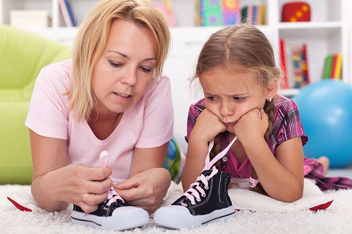 Μάθε στο παιδάκι σου, το πως να δένει τα κορδόνια στα παπούτσια του -εύκολος τρόπος-!! (βίντεο) – Timeout.gr