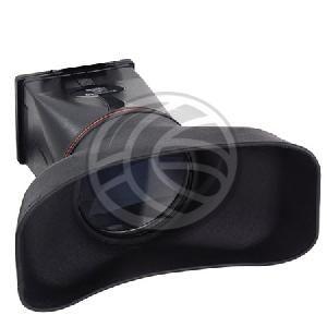 Kit que incluye ocular con lupa de aumento para el visor LCD de la cámara DSLR. Gracias a su gran adaptador facial que cubre ambos ojos, el usuario puede mirar de forma relajada la pantalla LCD, de forma aumentada y nítida. Hace tambien las funciones de parasol, evitando reflejos y trabajando más cómodamente con la cámara. Modelo específico para la cámara Nikon D300.