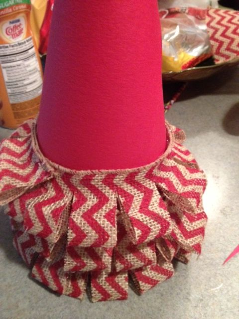 making burlap tree DIY Burlap Christmas Trees @Carrie Mcknelly Mcknelly Hawkinson can we pleeeease have a craft night before Christmas and make these?!?