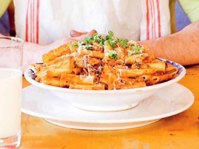 Gudfaderns pasta (kock Anette Rosvall och Emma Hamberg)