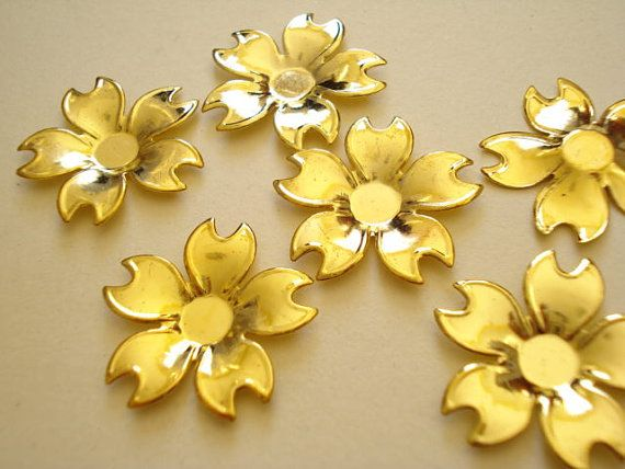 50pcs Wholesale Bulk 5leaf Flower Base Antiqued Gold by yooounique, $7.50