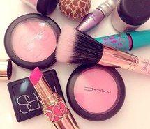 Inspirant de l'image beauté, savon, fille, de jeune fille, make up, rose #3063503 par rayman - Résolution 500x496px - Trouver l'image à votre goût