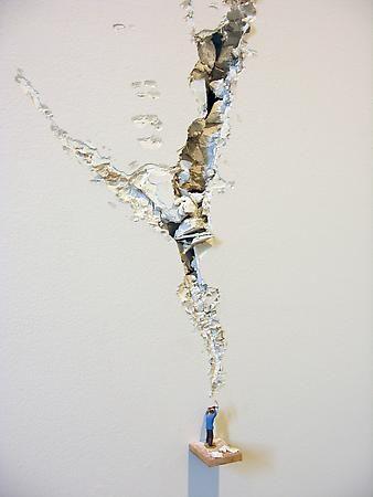 Liliana Porter, Ax Sicardi Gallery installation view, 2006.