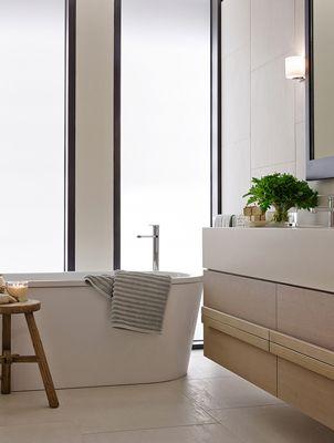 35 Spring Street display suite bathroom / Bates Smart