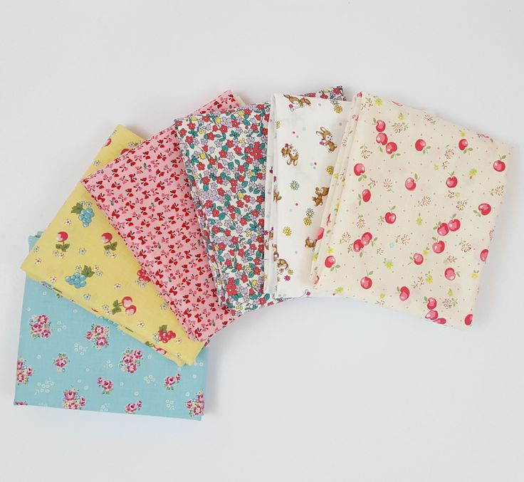 $22 for 6 fat quarters YUWA 30's Fat Quarter Bundle from Lady Belle Fabric