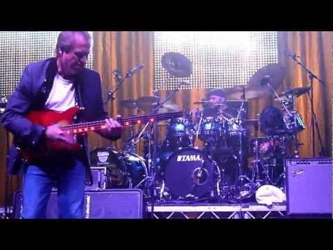 "Level 42 Improvised Intro to extra long ""Love Games"" G-Live Guildford 13th October 2012 - YouTube"