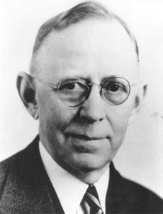 "John W. Nordstrom (1871–1963) co-founder of the Nordstrom department store chain. He was born Johan Nordström (later anglicizing it to ""John"") in Sweden. While working at a sawmill he read a newspaper account of the discovery of gold in the Klondike & headed to Alaska to make his fortune. In Seattle, Nordstrom attended business school, & joined his friend, Carl Wallin, in the shoe business. He & Carl opened Wallin & Nordstrom in 1901. From that first shoe store grew the Nordstrom retail…"