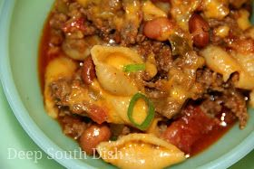 Skillet Chili Mac - a quick skillet meal of ground beef, tomatoes, chili seasonings, beans, cheese and medium shell pasta.