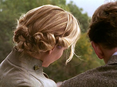 poirot: hollow day  hair from back