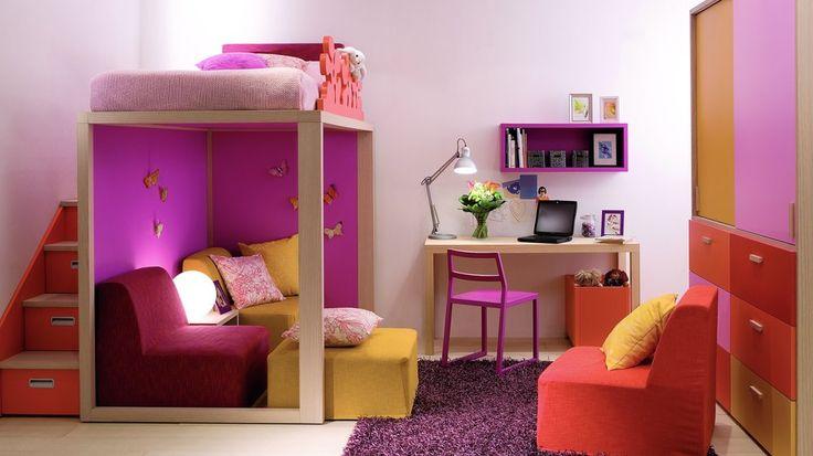 Lit mezzanine fille cubique et coloré : lit de forme simple mais idée intéressante !