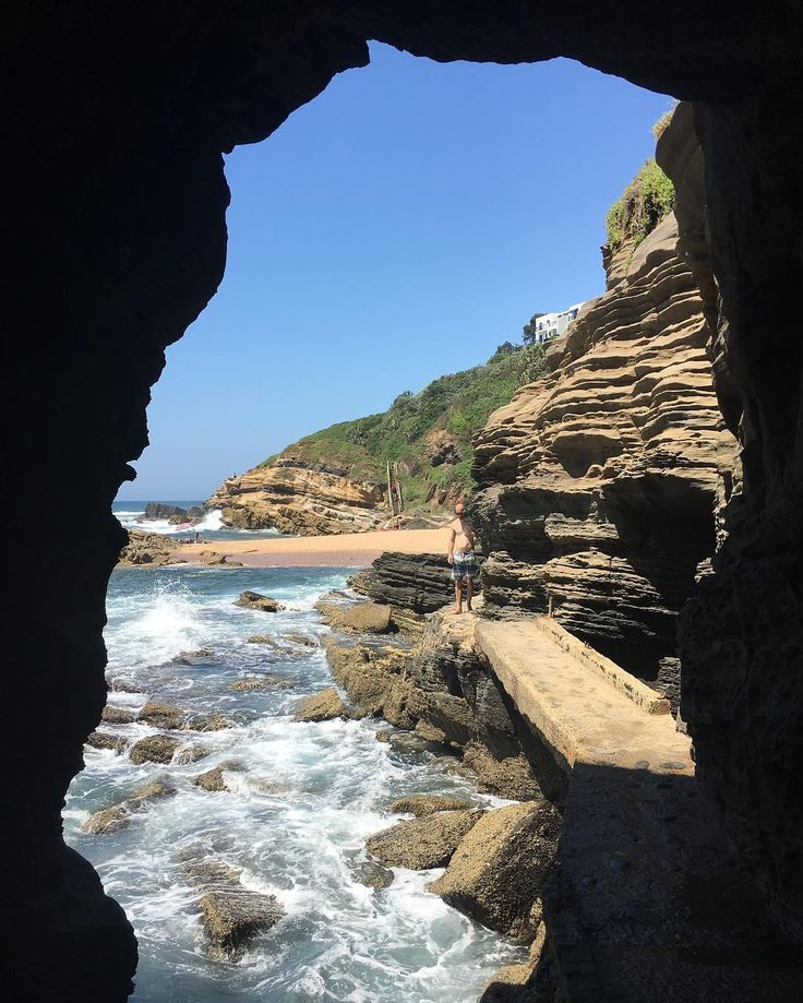 The Hole in the Wall @ Thompson Bay #holiday #beach #beachlife #vacation #funinthesun #ballito #ballitobeach #southafrica #nofilter #nofilterneeded