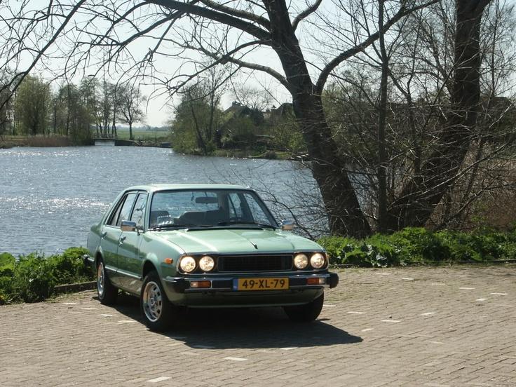 Honda accord sedan 1978 Na het Opel debacle een spiksplinter nieuwe Honda gekocht, wat een verademing die auto. Alles er op en er aan voor een betaalbaar bedrag.