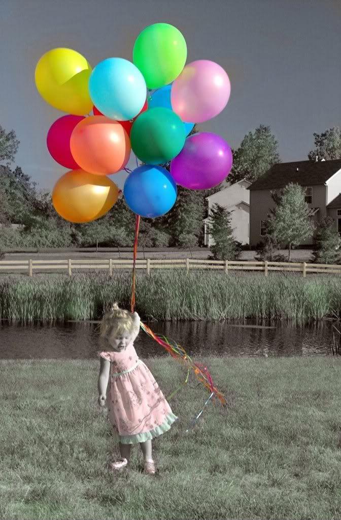 color splash #baloons #happiness selective color photography https://www.facebook.com/colorsplastudioapp