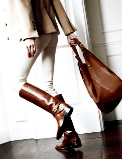love these boots: Style, Leather Boots, White Pants, Equestrian Chic, Riding Boots, Fall Boots, Brown Boots, White Jeans, Bags