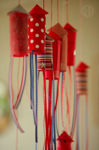 fourth of july crafts - one MORE use for empty toilet paper rolls!
