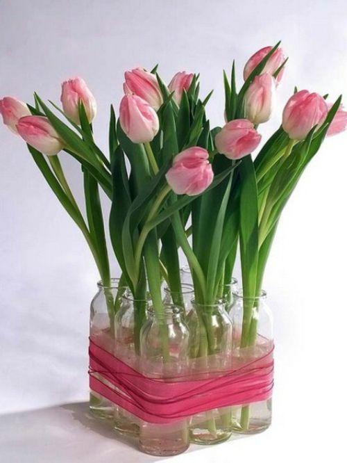 Festliche und leichte Frühlingsdekoration mit rosa Tulpen  - #Selbermachen