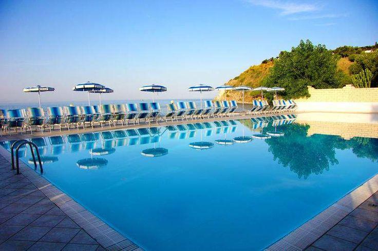 Frühbucher-Schnäppchen für Italien Liebhaber: Kalabrien Inklusive 4-Sterne Strandhotel, Vollpension-Plus + Flug - 8 bis 15 Tage ab 499 € | Urlaubsheld