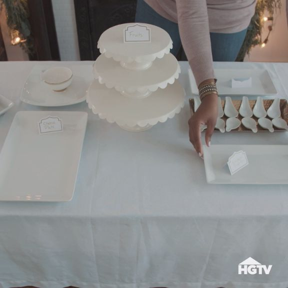 How to Set the Perfect Buffet Table