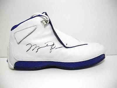 WOW Michael Jordan Signed Autographed Nike Air Jordan XVIII Right Shoe