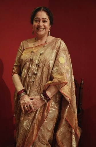 Kiron Kher in a Gaurang Shah Saree. Description of Pinner Mahua Roy Chowdhury
