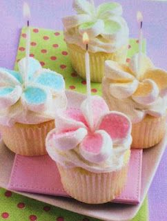 plumeria toppers for cupcakes- cut up marshmallows!