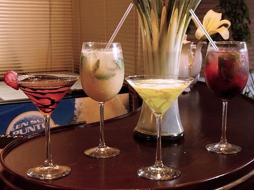 Martini de fresa con vinagre balsámico, Mojito de Guayaba, Martini de melón con chocolate blanco, Mojito de Zarzamora - Xinampa
