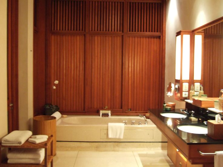 Four seasons Bali at sayan bathroom
