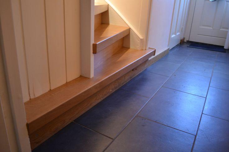 Voor iedere trap een oplossing! Ook hier waar de onderste trede helemaal door liep tot aan het deurkozijn.
