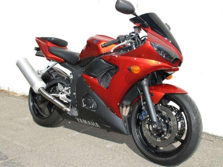 My awesome 2007 Yamaha R6S.