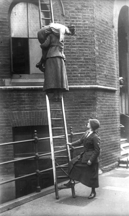 women firefighters of London, 1916