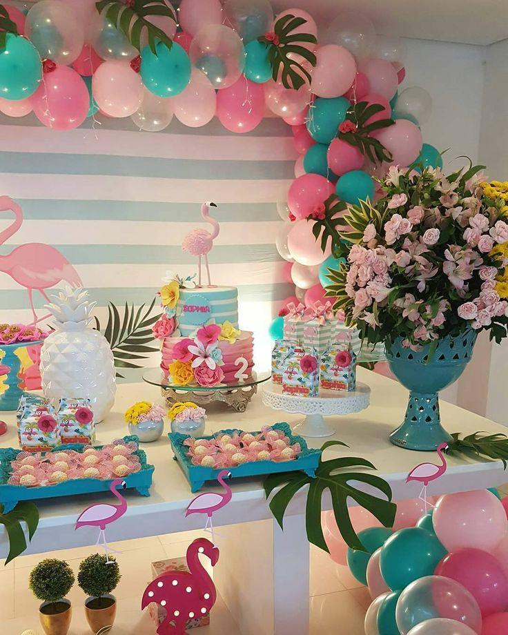 """5,609 curtidas, 44 comentários - Festejando em Casa by Monalisa (@festejandoemcasaoficial) no Instagram: """"Inspiração linda da galeria do @portal_pirulitei para #FestaTropical #Flamingos Decor…"""""""
