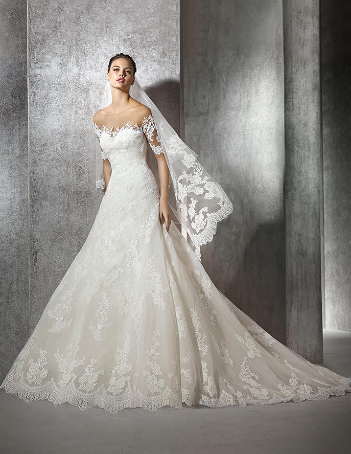 Zeleny, lace wedding dress with sweetheart neckline