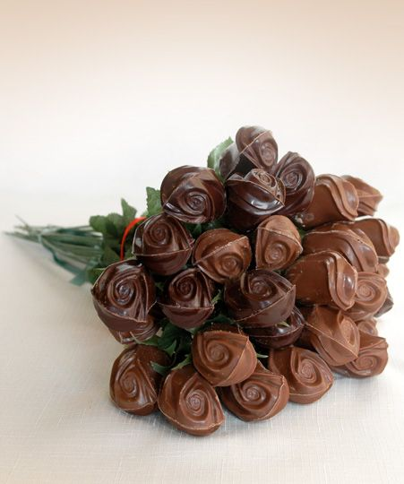 Our special creation : a bunch of chocolates   to offer to your lover !